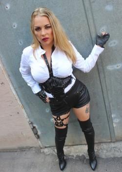 Lady Sina Imperia - Dominas Karlsruhe 1