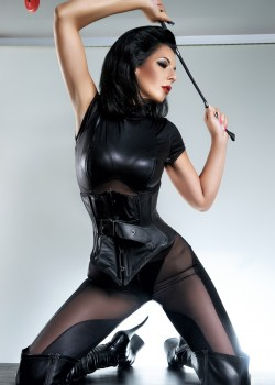 Mistress Arwen Strong - Dominas Zürich 1