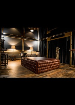 Kates Palace of Sin - Dominastudios Berlin 1