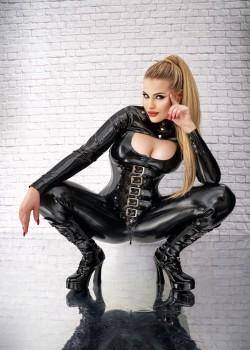 Mistress Luna May